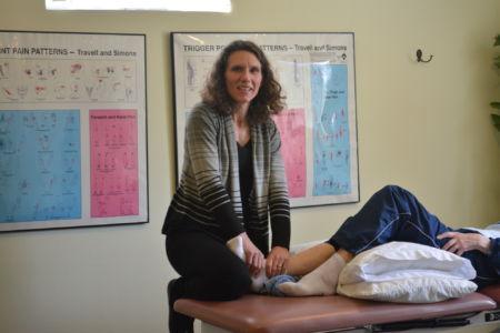Jennifer doing ankle mobilizations